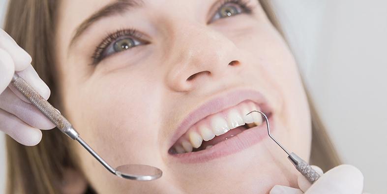 Periodoncia Limpieza dental en granada, perfecto y sin problemas