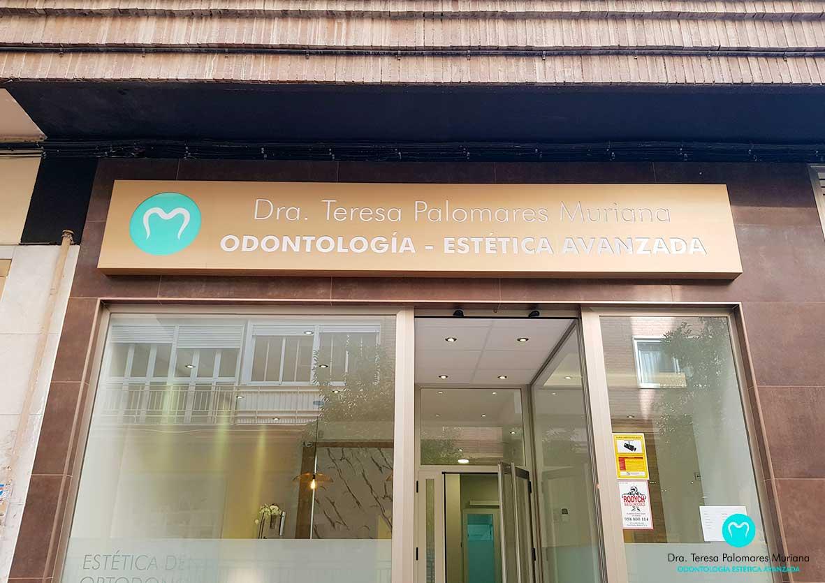 clinica-Dental-teresa-palomares-muriana-palmudent-granada