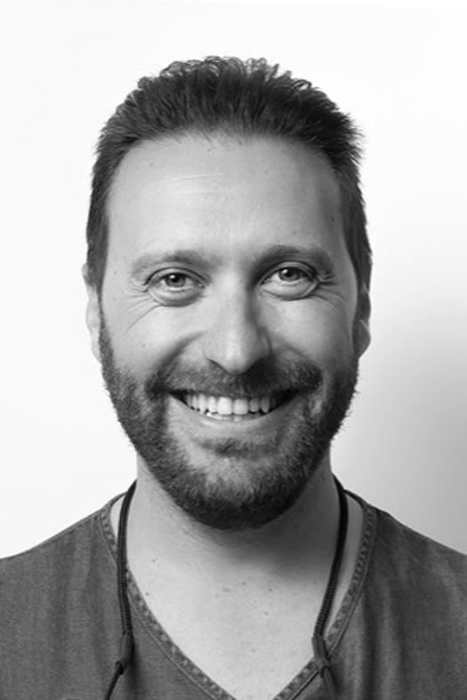 Javier Limpieza dental en Deifontes
